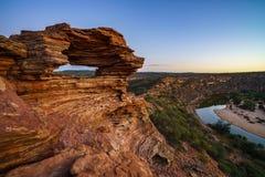 Prima di alba alla finestra delle nature nel parco nazionale di kalbarri, Australia occidentale 9 immagini stock