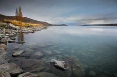 Prima di sunsire ai posti di paradiso in Nuova Zelanda/lago del sud Tekapo Immagine Stock Libera da Diritti