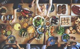 Prima folkmassa för frunch som äter middag matalternativ som äter begrepp arkivfoton
