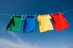 Primaire Gekleurde T-shirts Stock Afbeelding