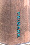 Primark-Bekleidungsgeschäftzeichen auf Oxford-Straße in London lizenzfreie stockbilder