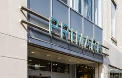 Primark, Doncaster, England, Vereinigtes Königreich, kaufen Äußeres lizenzfreie stockfotografie