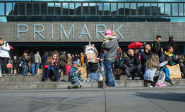 Primark-Speicher in Berlin Stockbilder
