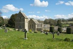 Primavera, abades iglesia, Cotswolds, Reino Unido de Duntisbourne fotografía de archivo