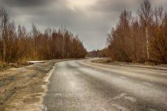 Primavera de la carretera con curvas Foto de archivo