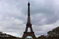primavera de Paris França da torre Eiffel fotografia de stock royalty free