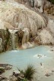 Primavera del agua termal de Bagni san Filippo imagen de archivo