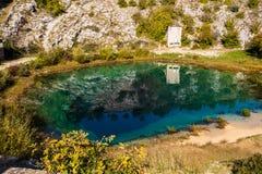 Primavera del fiume Cetina fotografia stock