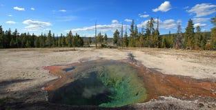 Primavera del limone dell'azionamento del lago Firehole nel parco nazionale di Yellowstone nel Wyoming U.S.A. Fotografia Stock Libera da Diritti