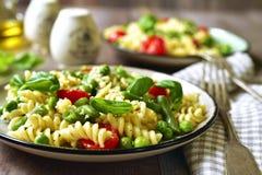 Primavera della pasta sull'piatti d'annata Fotografia Stock
