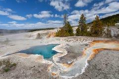 Primavera della stella blu, bacino superiore del geyser, Yellowstone NP Fotografie Stock