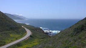 Primavera della strada principale della costa del Pacifico di Big Sur Immagine Stock