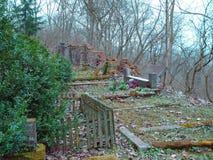 Primavera en cementerio judío abandonado y registrado Foto de archivo