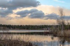 Primavera en el lago Fotos de archivo