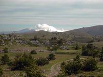 Primavera en las montañas crimeas Fotografía de archivo libre de regalías