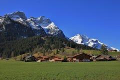Primavera a Gsteig bei Gstaad Fotografia Stock Libera da Diritti