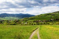 Primavera nelle montagne immagine stock libera da diritti