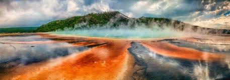 Primavera prismática en el parque nacional de Yellowstone Imagen de archivo libre de regalías