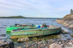 Primavera septentrional fría en el lago Ladoga fotos de archivo