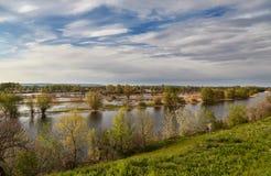Primavera y Volga Imagen de archivo libre de regalías