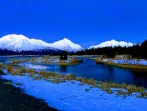 Primeira luz do dia sobre o pântano do Alasca congelado imagem de stock royalty free