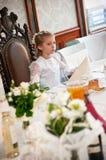 Primeira menina santamente do comunhão Imagem de Stock Royalty Free