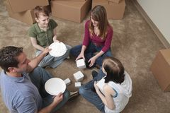 Primeira refeição na casa nova Imagem de Stock Royalty Free