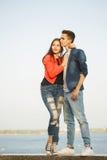 Primeiro amor Adolescentes em uma data foto de stock royalty free