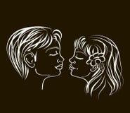 Primeiro kiss.white sobre o preto Imagens de Stock