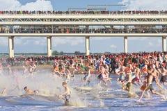 Primeiro mergulho do ano em Scheveningen Imagem de Stock