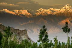 Primeiros raios de luz, Stok Kangri, Índia, Leh, Ladakh Imagens de Stock