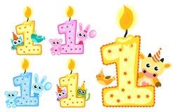 Primeiros vela ajustada e animais felizes do aniversário isolados no fundo branco Ilustração do vetor ilustração stock