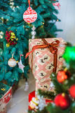 Primer adornado del árbol de navidad imágenes de archivo libres de regalías