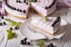 Primer cortado hermoso del pastel de queso de la pasa horizontal Fotografía de archivo libre de regalías