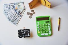 Primer día de costos de la escuela Fotos de archivo libres de regalías