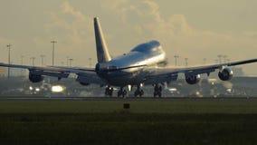 Primer de Boeing los 747-406-M del aterrizaje de las líneas aéreas de KLM metrajes
