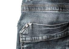 Primer de costura del estilo del vintage de los tejanos del bolsillo trasero aislado Foto de archivo
