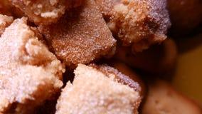 Primer de galletas sabrosas con el azúcar 4k UHD almacen de metraje de vídeo