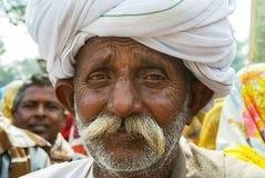Primer de la cara del hombre de un Rajasthán más viejo con el turbante Fotografía de archivo