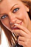 Cara de una muchacha rubia Imágenes de archivo libres de regalías