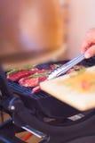 Primer de la carne fresca del filete que se prepara en parrilla Fotografía de archivo libre de regalías