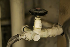 Primer de la conexión suave con la válvula de cierre, para el agua Hogar P Fotografía de archivo libre de regalías