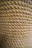 Primer de la cuerda atado, cuerda de madera, cuerda principal foto de archivo libre de regalías