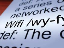 Primer de la definición de Wifi que muestra la conexión a internet Foto de archivo libre de regalías