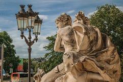 Primer de la escultura que adorna la entrada del Petit Palais en París Fotos de archivo