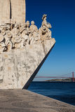 Primer de la estatua de los navegadores en la boca del puerto en Lisboa, Portugal Fotografía de archivo