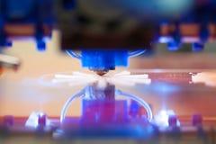 Primer de la impresión de la impresora 3D Foto de archivo libre de regalías