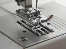 Primer de la máquina de coser Imágenes de archivo libres de regalías