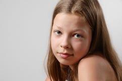 Primer de la muchacha triste con un espacio de la copia Foto de archivo libre de regalías