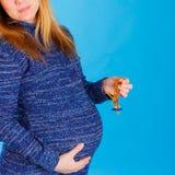 Primer de la mujer embarazada Foto de archivo
